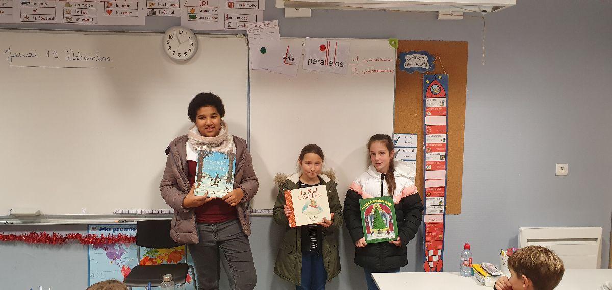 lecture de contes de Noël par les 6ème du collège