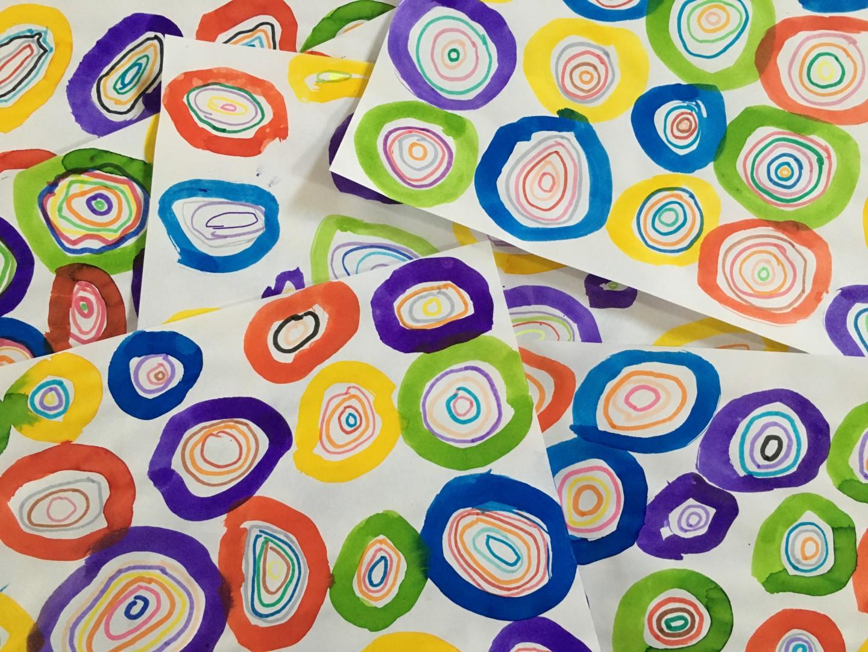 Cercles concentriques à la manière de Kandinsky